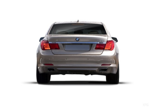 BMW Seria 7 F01 F02 I sedan silver grey tylny