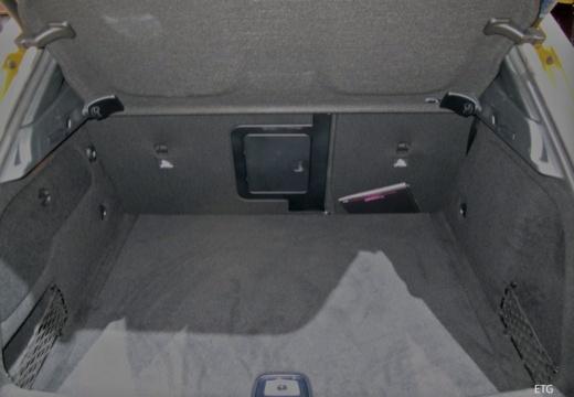 MERCEDES-BENZ Klasa GLA GLA 156 hatchback przestrzeń załadunkowa