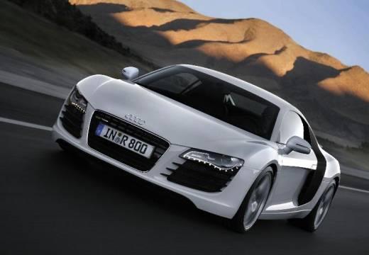 AUDI R8 I coupe silver grey przedni lewy