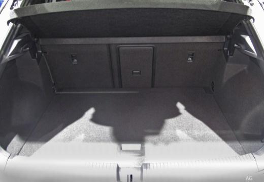 VOLKSWAGEN T-ROC hatchback przestrzeń załadunkowa