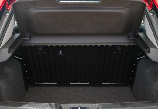 FIAT Punto II hatchback czerwony jasny przestrzeń załadunkowa