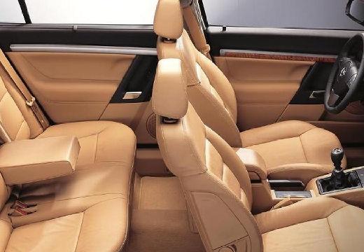 OPEL Vectra sedan wnętrze