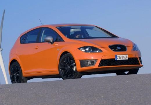 SEAT Leon III hatchback pomarańczowy przedni prawy
