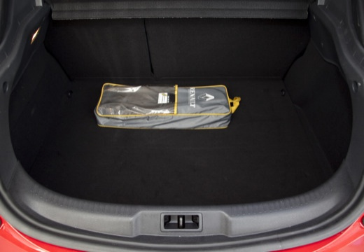 RENAULT Megane III Coupe I hatchback czerwony jasny przestrzeń załadunkowa