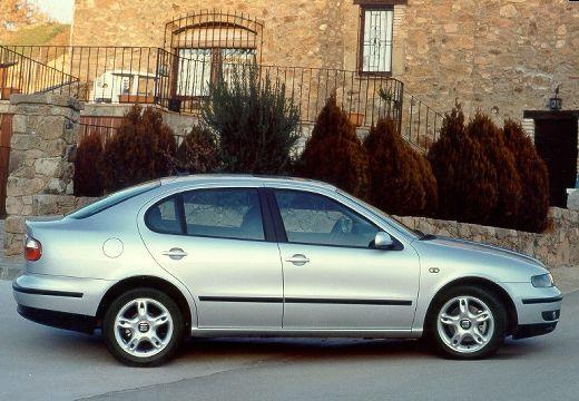 SEAT Toledo II sedan silver grey boczny prawy