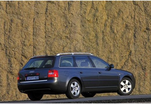 AUDI A6 /S6 Avant 4B II kombi czarny tylny prawy