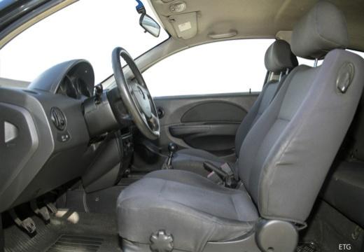CHEVROLET Aveo I hatchback wnętrze