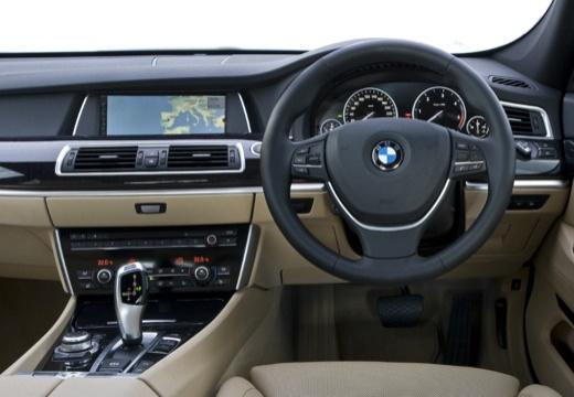 BMW Seria 5 Gran Turismo F07 I hatchback silver grey tablica rozdzielcza