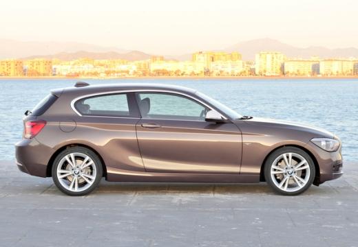 BMW Seria 1 F21 I hatchback brązowy boczny prawy