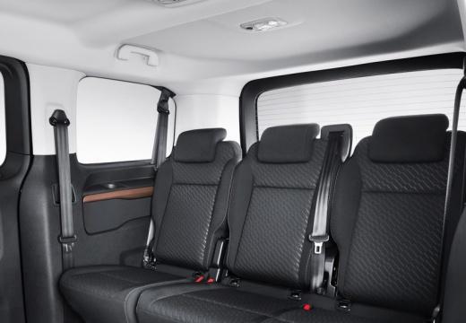 Toyota Proace Verso I kombi mpv brązowy wnętrze