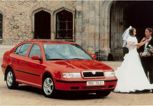 SKODA Octavia I hatchback czerwony jasny przedni prawy