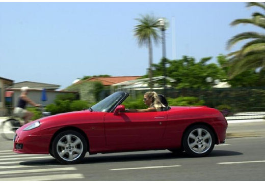 FIAT Barchetta kabriolet czerwony jasny boczny lewy