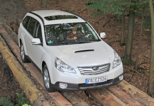 subaru legacy 3 6 r exclusive navi mac kombi outback iv 3 7 260km 2011. Black Bedroom Furniture Sets. Home Design Ideas