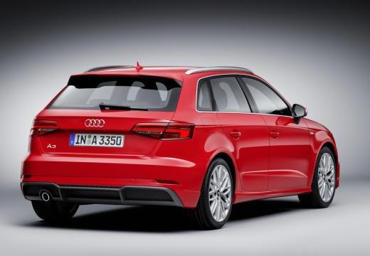 AUDI A3 hatchback czerwony jasny tylny prawy