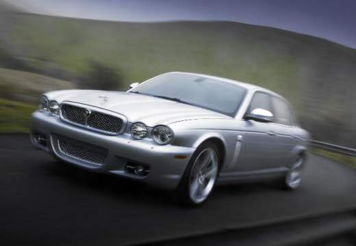 JAGUAR XJ V sedan silver grey przedni lewy
