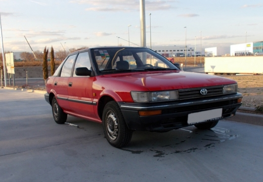 Toyota Corolla Liftback II hatchback przedni prawy