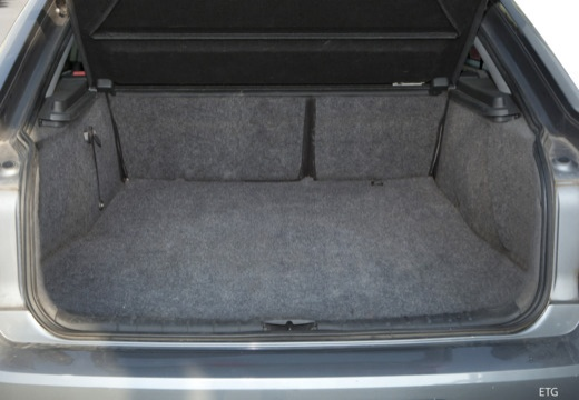 OPEL Vectra C I hatchback przestrzeń załadunkowa