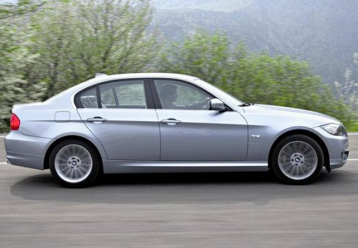 BMW Seria 3 E90 II sedan szary ciemny boczny prawy