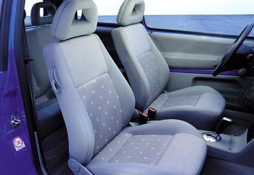 VOLKSWAGEN Lupo hatchback niebieski jasny wnętrze