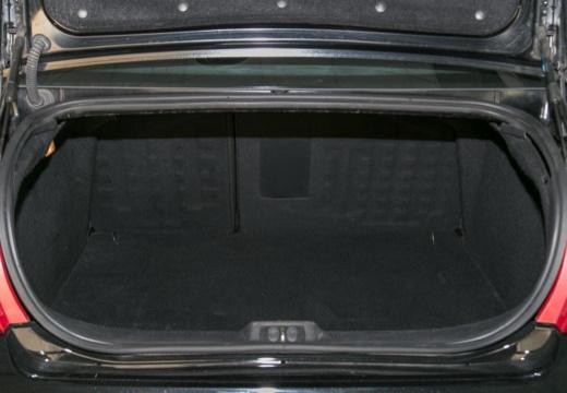 PEUGEOT 407 II sedan przestrzeń załadunkowa