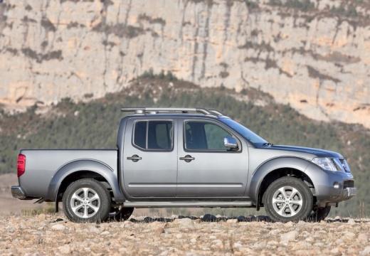 NISSAN Navara III pickup szary ciemny boczny prawy