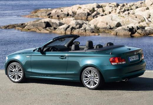 BMW Seria 1 kabriolet zielony tylny lewy