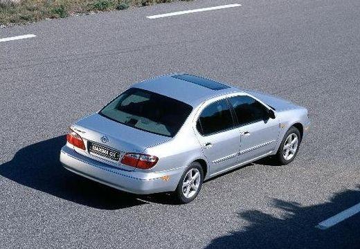 NISSAN Maxima QX II sedan silver grey górny tylny