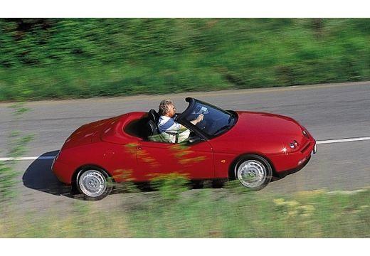 ALFA ROMEO Spider II kabriolet czerwony jasny górny przedni