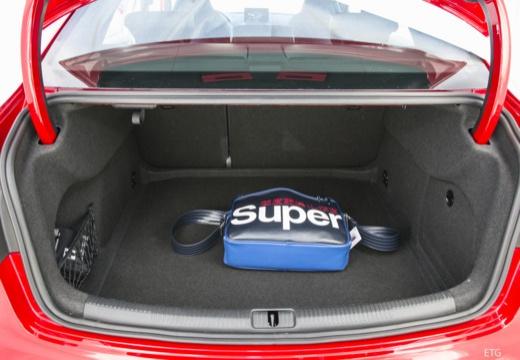 AUDI A3 Limousine 8V sedan przestrzeń załadunkowa
