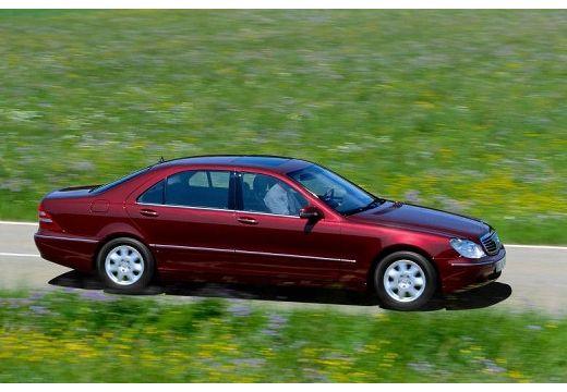 MERCEDES-BENZ Klasa S W 220 I sedan bordeaux (czerwony ciemny) przedni prawy