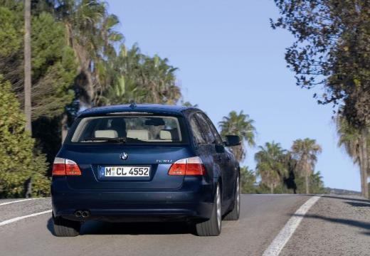 BMW Seria 5 Touring E61 II kombi niebieski jasny tylny prawy