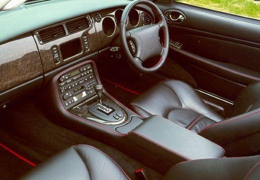 JAGUAR XK8 coupe wnętrze