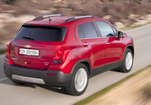 CHEVROLET Trax hatchback czerwony jasny tylny prawy