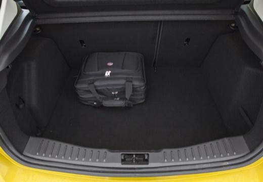 FORD Focus V hatchback przestrzeń załadunkowa