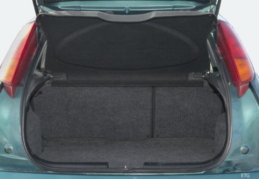 FORD Focus I hatchback niebieski jasny przestrzeń załadunkowa