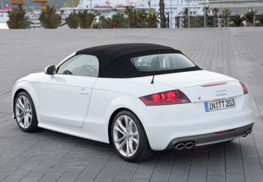 AUDI TT II roadster biały tylny lewy