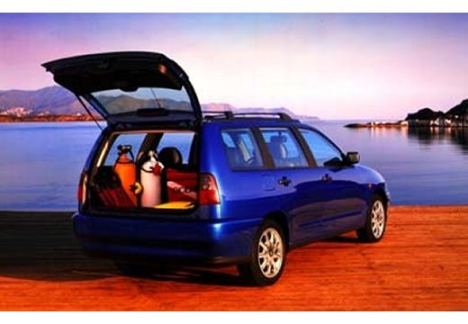 SEAT Cordoba kombi niebieski jasny tylny prawy