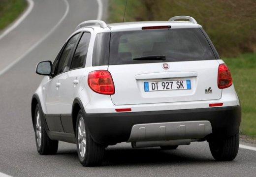 FIAT Sedici II kombi biały tylny lewy