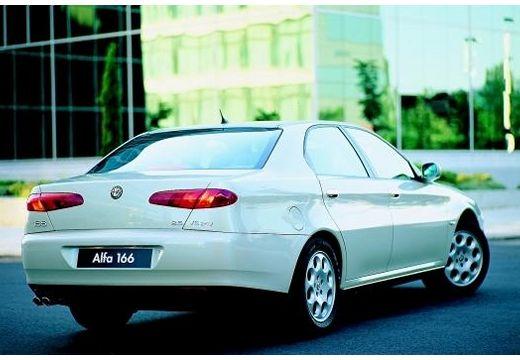 ALFA ROMEO 166 sedan biały tylny prawy
