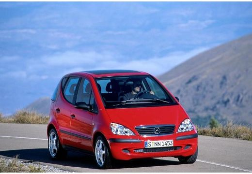 MERCEDES-BENZ Klasa A W 168 II hatchback czerwony jasny przedni prawy