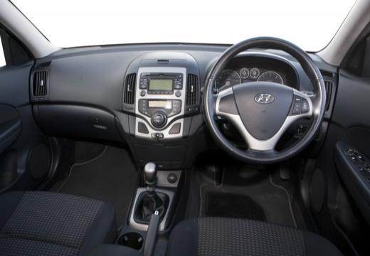 HYUNDAI i30 I hatchback czarny tablica rozdzielcza