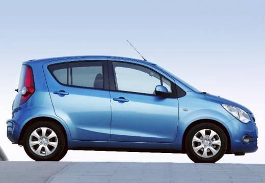 OPEL Agila hatchback niebieski jasny boczny prawy