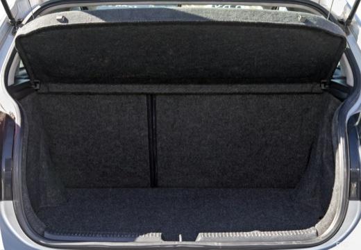 Toyota Corolla VI hatchback przestrzeń załadunkowa