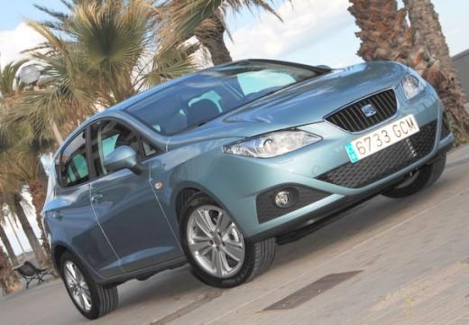 SEAT Ibiza hatchback niebieski jasny przedni prawy