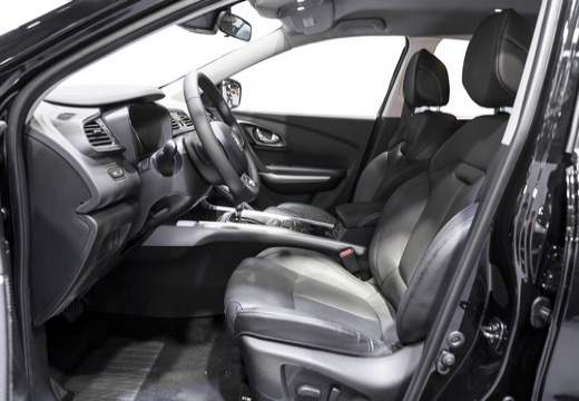 RENAULT Kadjar I hatchback wnętrze