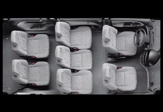 Toyota Previa II van wnętrze