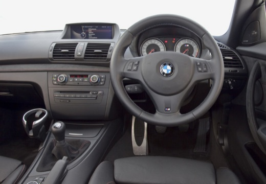 bmw m1 coupe e82 ii 3 0 340km 2011. Black Bedroom Furniture Sets. Home Design Ideas
