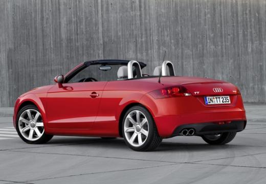 AUDI TT II roadster czerwony jasny tylny lewy