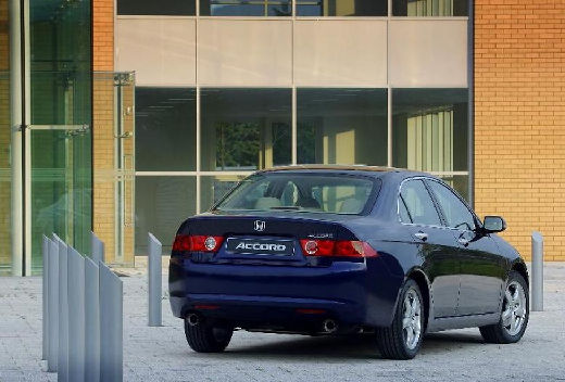 HONDA Accord V sedan niebieski jasny tylny prawy