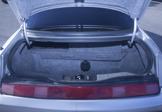 ALFA ROMEO GTV coupe przestrzeń załadunkowa